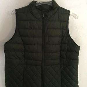 Size 1x Plus Green Quilted Puffer Nylon Vest
